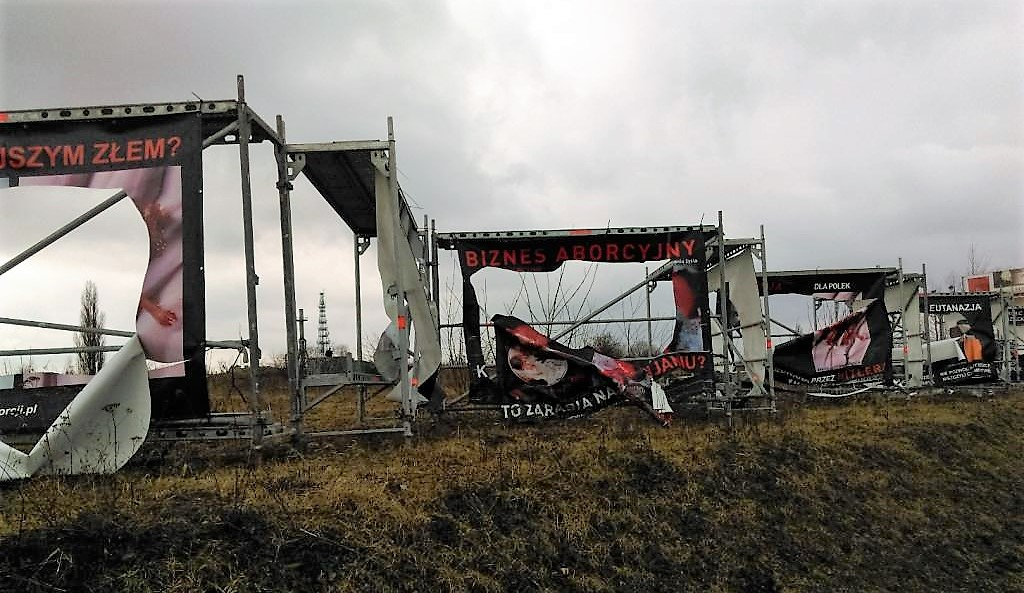 Zniszczenie wystawy w Chojnicach
