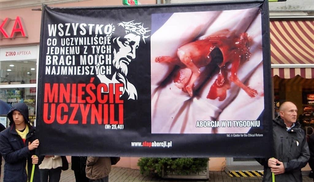 """Osobiście zwrócę się do wspólnoty o niezwłoczne usunięcie baneru""""   –  czyli jak prezydent Opola Arkadiusz Wiśniewski próbuje cenzurować prawdę o aborcji w mieście"""