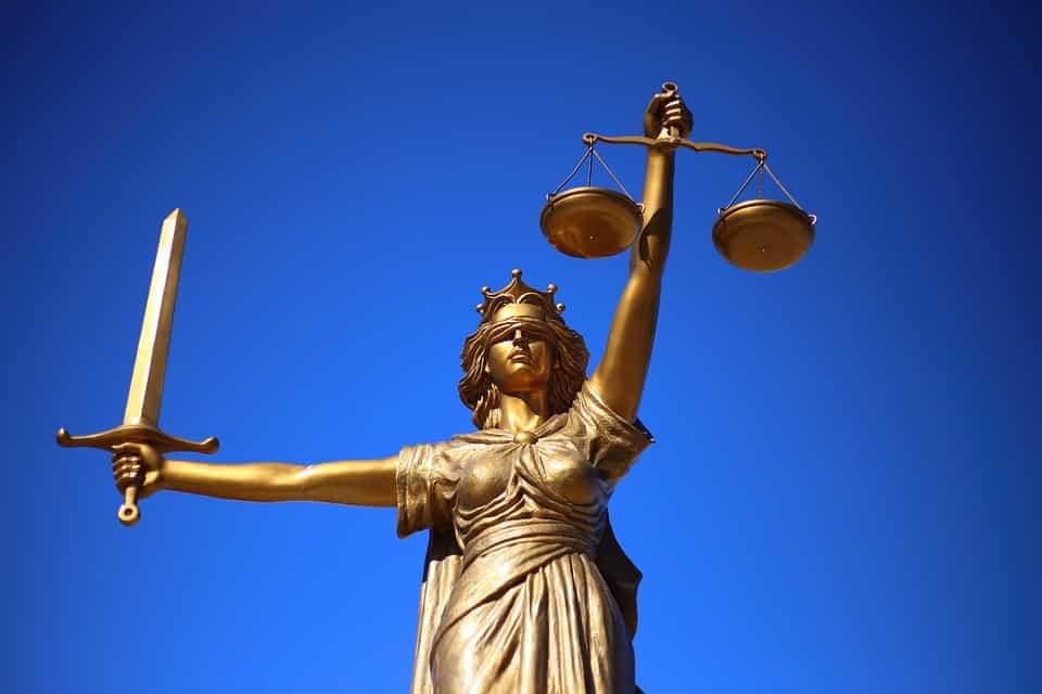 Kolejna klęska partii Razem – sąd w Opolu przyznaje rację pro-liferom.