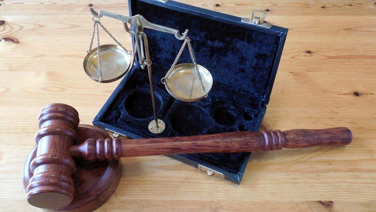 sędzia uniewinnił